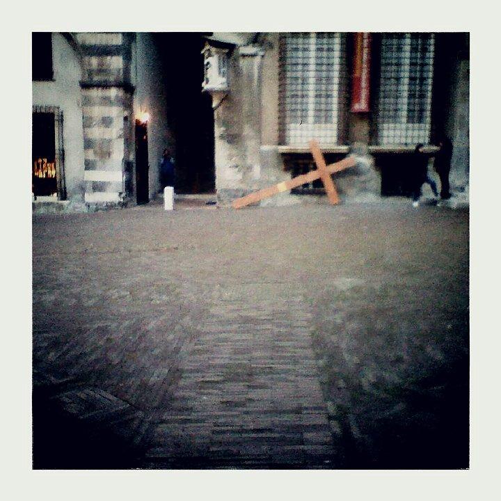Croce in piazza San Matteo