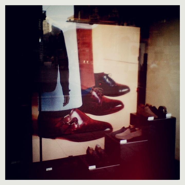 Fratelli Rossetti, scarpe (anche) per l'uomo con tre gambe