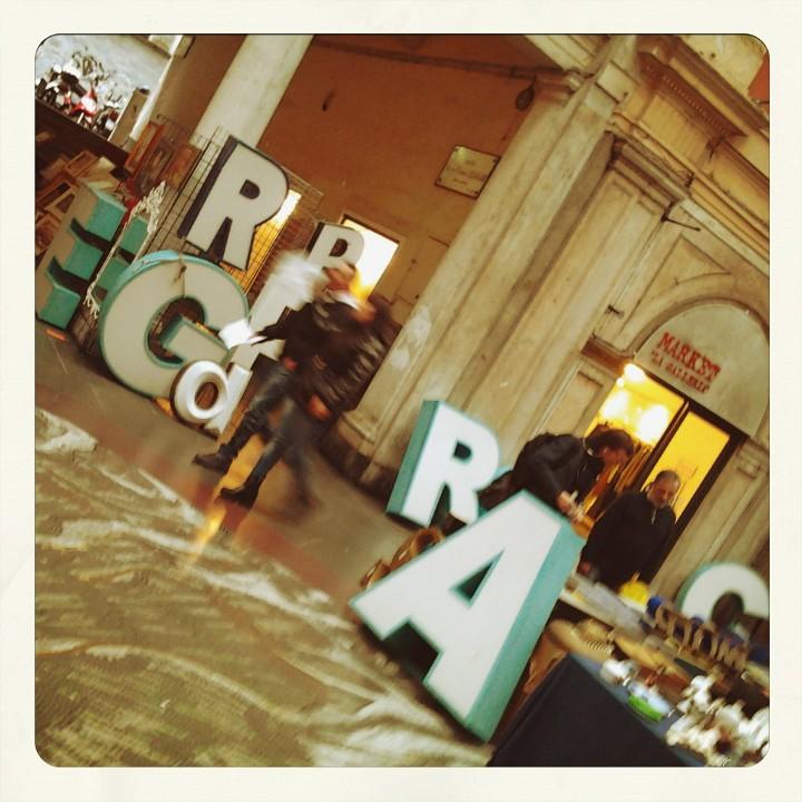 [Foto] CARIGE al mercatino rétro - antiquario di Galleria Mazzini