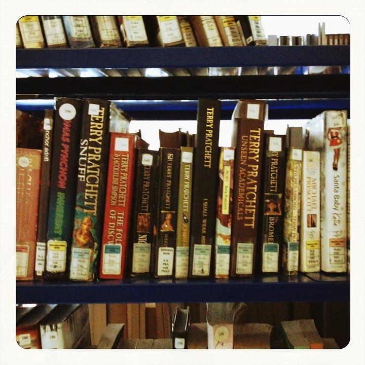 Giacimento di Terry Pratchett alla biblioteca Berio