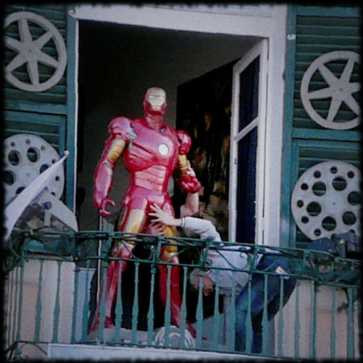 Iron Man a Caricamento