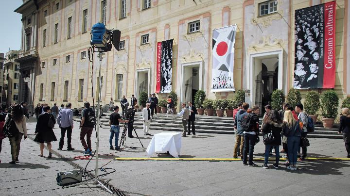 La Storia in Piazza De Ferrari