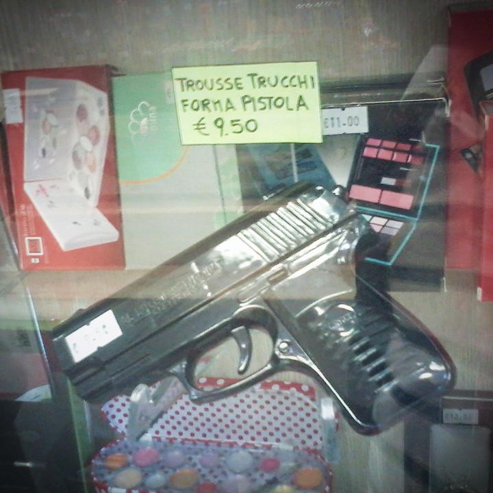 una pistola per la mamma